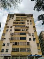 Apartamento En Venta En Valencia, Lomas Del Este, Venezuela, VE RAH: 17-3046