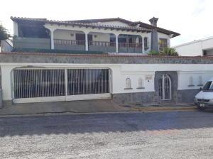 Casa En Venta En Caracas, Los Naranjos Del Cafetal, Venezuela, VE RAH: 17-3344