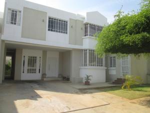 Casa En Venta En Maracaibo, El Pilar, Venezuela, VE RAH: 17-3071
