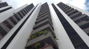 Apartamento En Venta En Caracas, El Rosal, Venezuela, VE RAH: 17-3121