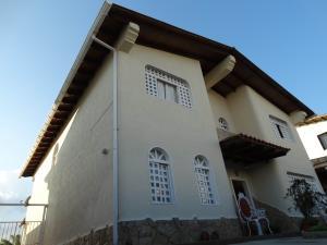 Casa En Ventaen San Antonio De Los Altos, Parque El Retiro, Venezuela, VE RAH: 17-3124
