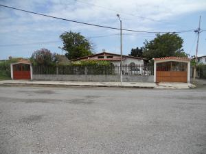 Terreno En Venta En Higuerote, Ciudad Balneario Higuerote, Venezuela, VE RAH: 17-3129