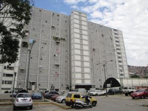 Apartamento En Venta En Caracas, El Valle, Venezuela, VE RAH: 17-3145