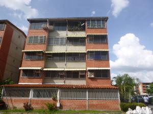 Apartamento En Venta En Guarenas, Terrazas Del Este, Venezuela, VE RAH: 17-523