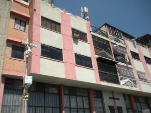Apartamento En Ventaen Caracas, Parroquia Santa Rosalia, Venezuela, VE RAH: 17-3327