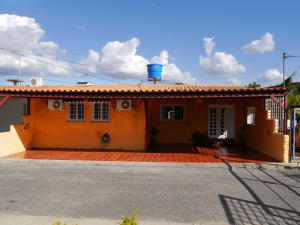 Casa En Venta En Cabudare, Santa Cecilia, Venezuela, VE RAH: 17-3183