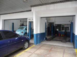 Local Comercial En Venta En Caracas, Los Chaguaramos, Venezuela, VE RAH: 17-3185