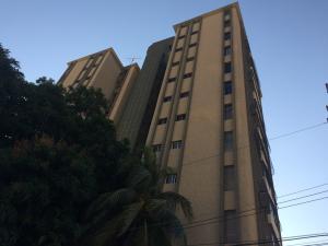 Apartamento En Venta En Maracaibo, Avenida Bella Vista, Venezuela, VE RAH: 17-3192