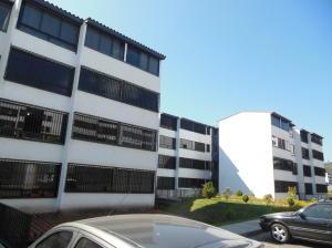 Apartamento En Venta En Los Teques, Parque Residencial La Quinta, Venezuela, VE RAH: 17-3216