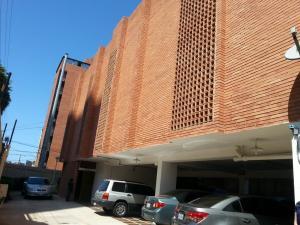 Edificio En Alquiler En Maracaibo, La Lago, Venezuela, VE RAH: 17-3208