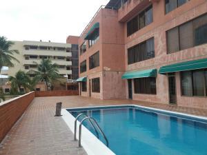Apartamento En Venta En Tucacas, Tucacas, Venezuela, VE RAH: 17-3768