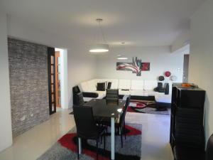 Apartamento En Venta En Maracay, El Centro, Venezuela, VE RAH: 17-3248