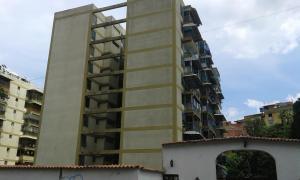 Apartamento En Venta En Los Teques, Municipio Guaicaipuro, Venezuela, VE RAH: 17-3323