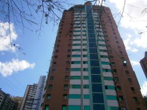 Apartamento En Venta En Valencia, Las Chimeneas, Venezuela, VE RAH: 17-3476
