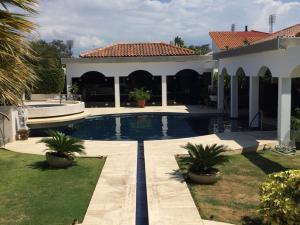 Casa En Ventaen Maracaibo, Los Olivos, Venezuela, VE RAH: 17-3288