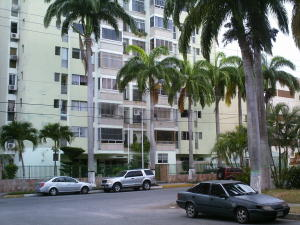 Apartamento En Venta En Barquisimeto, Parroquia Santa Rosa, Venezuela, VE RAH: 17-3394