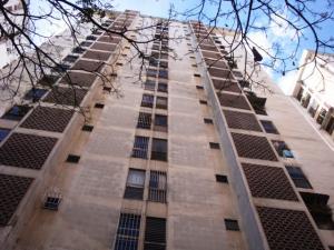 Apartamento En Venta En Caracas, Palo Verde, Venezuela, VE RAH: 17-5658