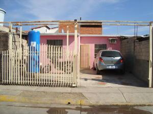 Casa En Venta En Municipio Los Guayos, Buenaventura, Venezuela, VE RAH: 17-3322
