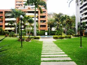 Apartamento En Venta En Caracas, Santa Fe Norte, Venezuela, VE RAH: 17-3333