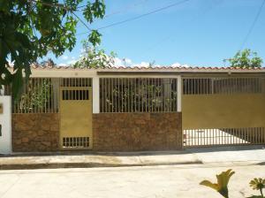Casa En Venta En Cua, Ciudad Hermosa, Venezuela, VE RAH: 17-3334