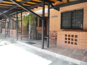 Townhouse En Venta En Municipio Naguanagua, El Rincon, Venezuela, VE RAH: 17-3337