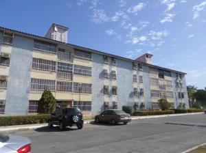 Apartamento En Venta En Lecheria, Complejo Turistico El Morro, Venezuela, VE RAH: 17-3497