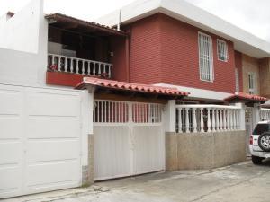 Casa En Venta En Caracas, El Marques, Venezuela, VE RAH: 17-3376