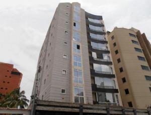 Apartamento En Venta En Maracay, El Bosque, Venezuela, VE RAH: 17-3372