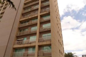 Apartamento En Alquiler En Caracas, Santa Eduvigis, Venezuela, VE RAH: 17-3387