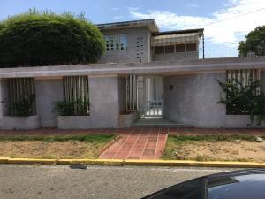 Casa En Venta En Maracaibo, Irama, Venezuela, VE RAH: 17-3390