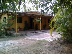 Casa En Venta En Cabudare, Parroquia Agua Viva, Venezuela, VE RAH: 17-3399
