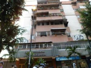 Apartamento En Venta En Caracas, Parroquia La Candelaria, Venezuela, VE RAH: 17-3403