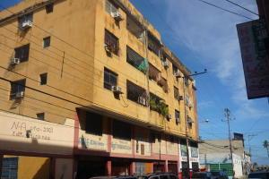 Apartamento En Venta En Puerto Cabello, Zona Colonial, Venezuela, VE RAH: 17-3472