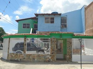 Casa En Venta En Municipio San Diego, La Esmeralda, Venezuela, VE RAH: 17-3457