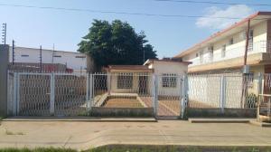 Casa En Venta En Municipio San Francisco, San Francisco, Venezuela, VE RAH: 17-3449