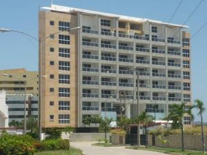 Apartamento En Venta En Higuerote, Puerto Encantado, Venezuela, VE RAH: 17-3454