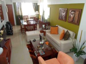 Apartamento En Venta En Maracaibo, Fuerzas Armadas, Venezuela, VE RAH: 17-3458