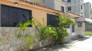 Apartamento En Venta En Municipio Los Guayos, Buenaventura, Venezuela, VE RAH: 17-3469