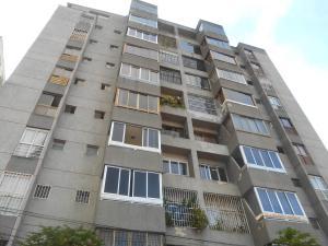 Apartamento En Venta En Los Teques, Municipio Guaicaipuro, Venezuela, VE RAH: 17-4862