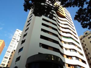 Apartamento En Venta En Valencia, El Parral, Venezuela, VE RAH: 17-3480