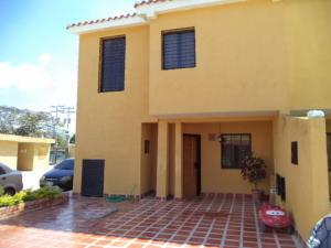 Townhouse En Venta En Municipio San Diego, La Cumaca, Venezuela, VE RAH: 17-3482