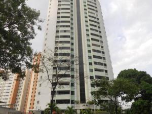 Apartamento En Venta En Valencia, Las Chimeneas, Venezuela, VE RAH: 17-3488