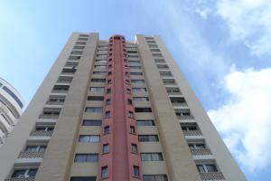 Apartamento En Venta En Valencia, El Parral, Venezuela, VE RAH: 17-3524