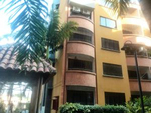 Apartamento En Venta En Municipio San Diego, Poblado De San Diego, Venezuela, VE RAH: 17-3530