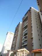 Apartamento En Venta En Maracay, Parque Aragua, Venezuela, VE RAH: 17-3533