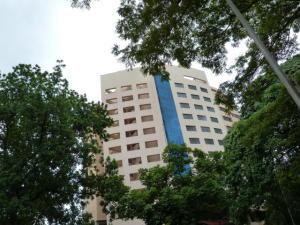 Apartamento En Venta En Valencia, La Trigaleña, Venezuela, VE RAH: 17-3536