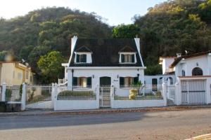 Casa En Ventaen Caracas, Santa Sofia, Venezuela, VE RAH: 17-10047