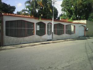 Casa En Venta En Valencia, Fundacion Mendoza, Venezuela, VE RAH: 17-3571