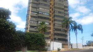 Apartamento En Venta En Maracaibo, El Milagro, Venezuela, VE RAH: 17-3567