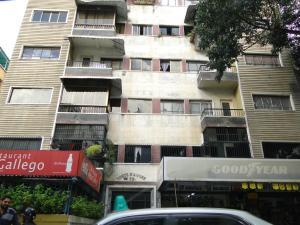 Apartamento En Venta En Caracas, Colinas De Bello Monte, Venezuela, VE RAH: 17-3576